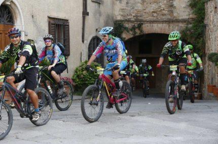 http://www.sportchianti.it/wp-content/uploads/2018/08/galletti-430x285.jpg